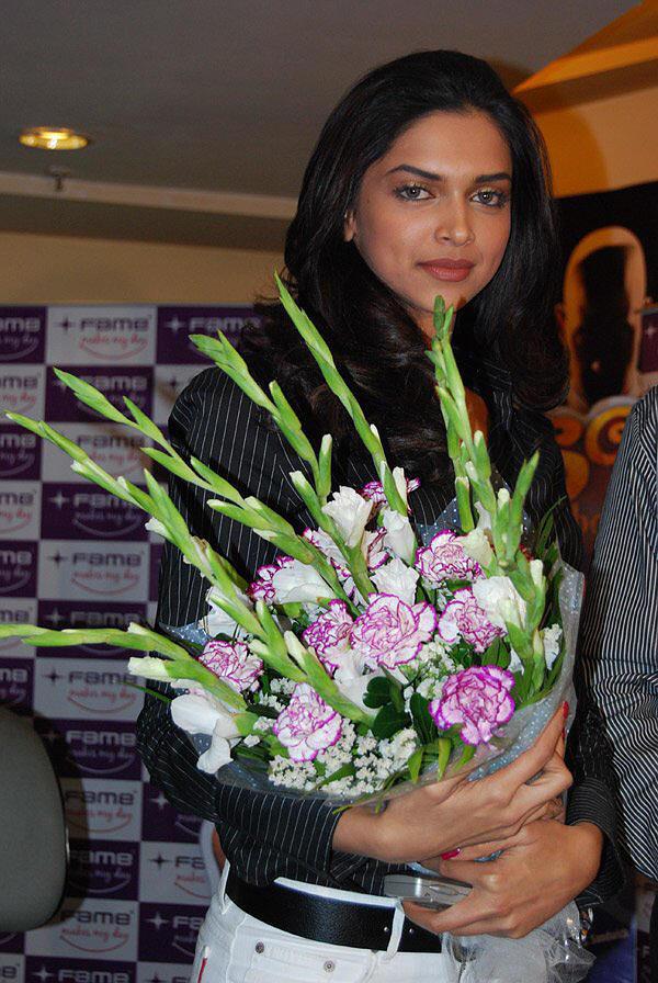 Deepika Padukone Latest Still With Bouquet