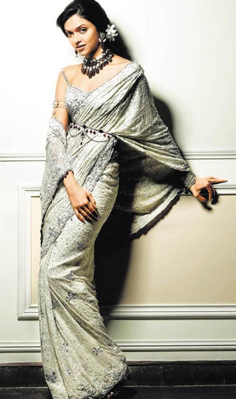 Deepika Padukone Sexy Pose Photo Shoot In Saree