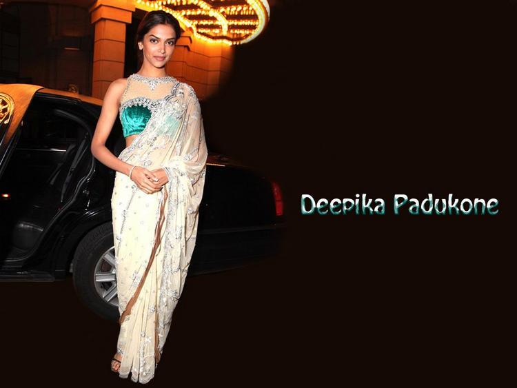 Deepika Padukone Sexy Saree Wallpaper