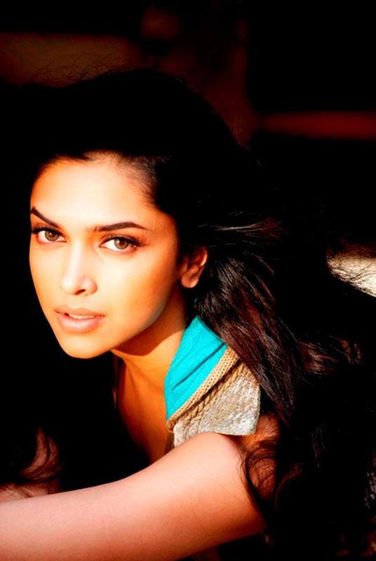 Deepika Padukone Spicy Look Still