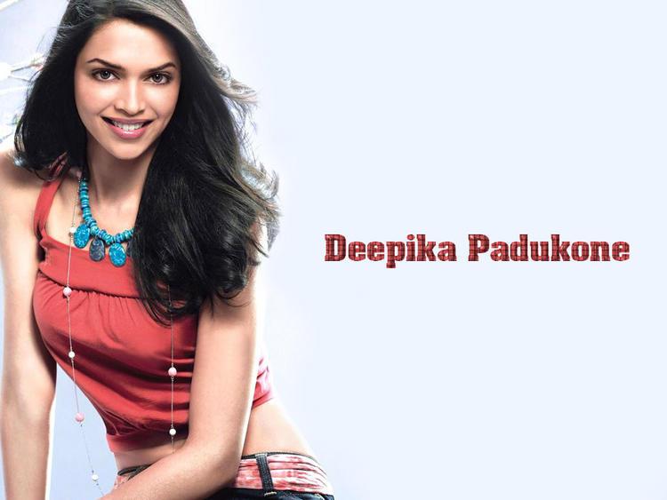 Deepika Padukone Sweet and Sexy Wallpaper