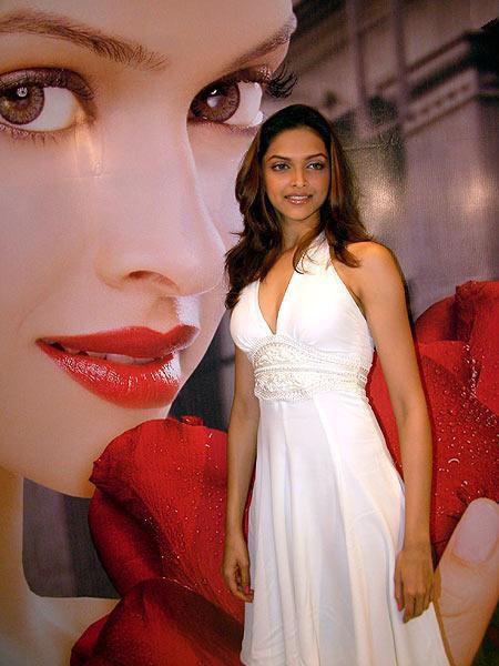 Deepika Padukone White Dress Beauty Still