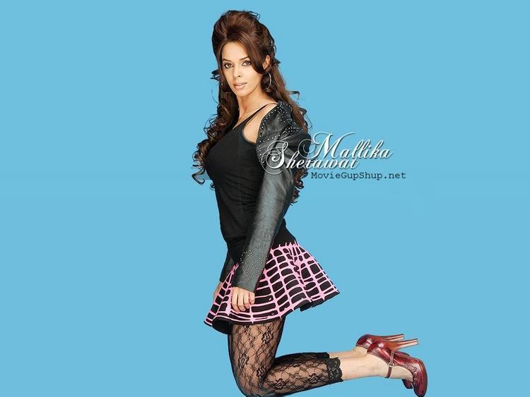 Mallika Sherawat Cute Mini Skirt Hot Wallpaper
