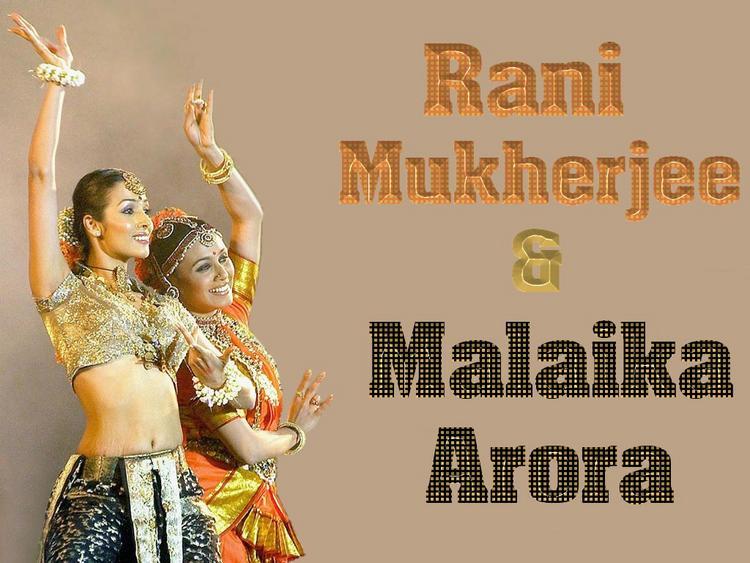 Malaika Arora Khan And Rani Mukherjee Dancing Pose Wallpaper