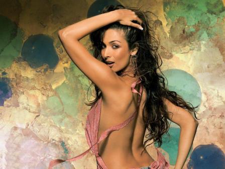 Malaika Arora Khan Sexy Back Bare Wallpaper