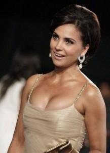 Lara Dutta Open Boob Show Glamour Still