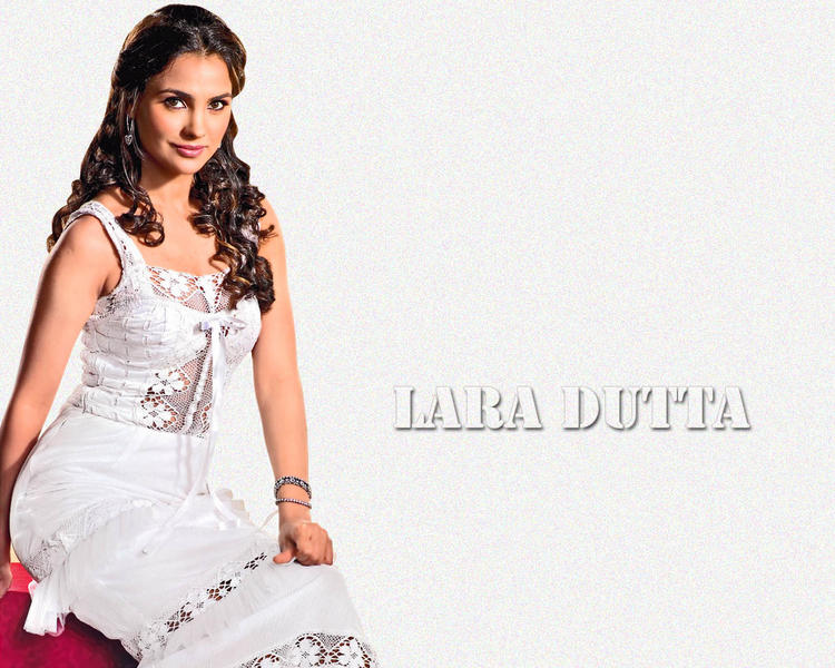 Lara Dutta In White Dress Beautiful Look Wallpaper