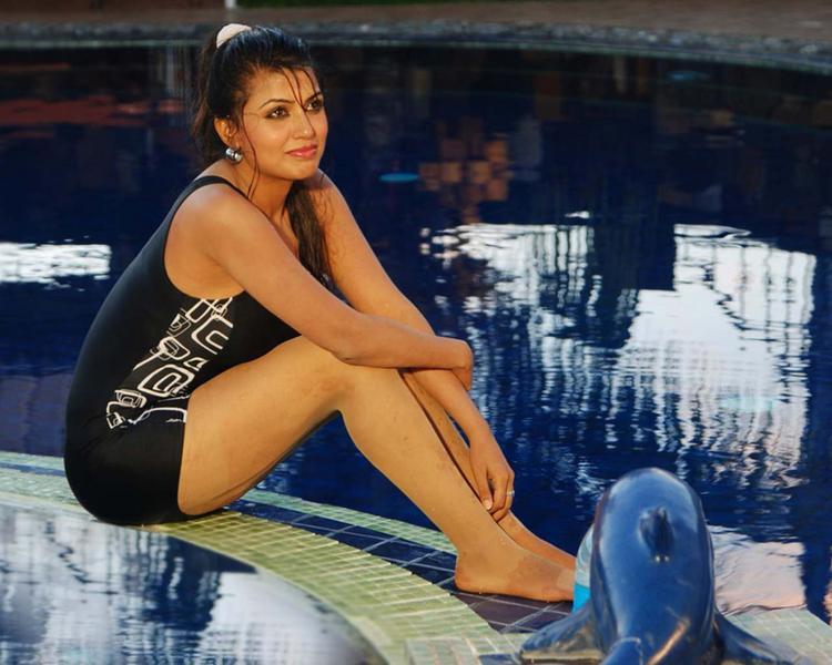 Aarti Puri Hot Wallpaper