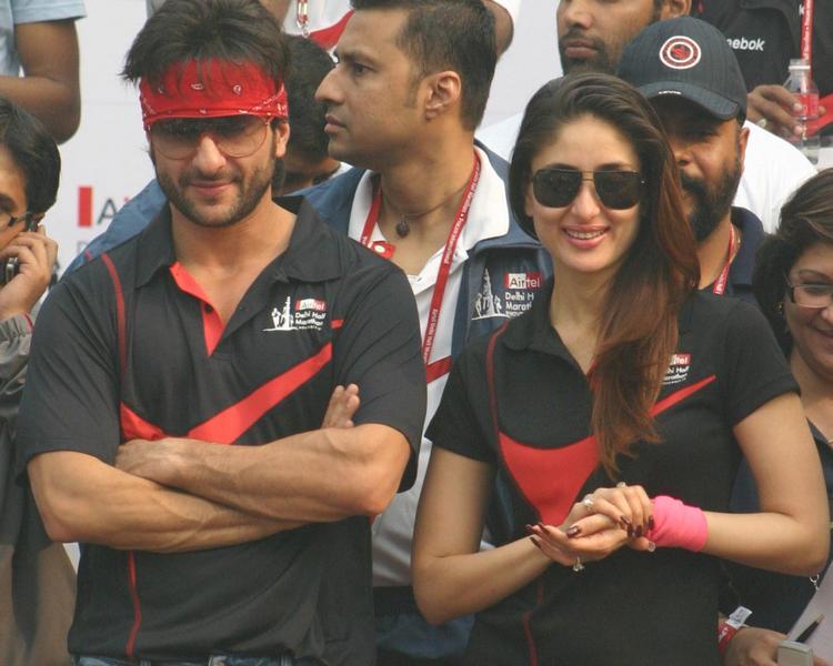 Kareena Kapoor and Saif Ali Khan Beauty Smile Stunning Pic