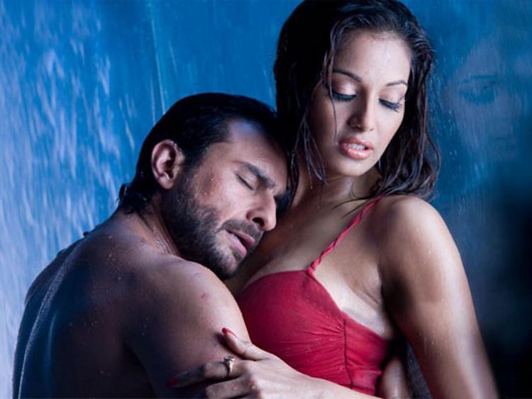 Saif Ali Khan and Bipasha Basu Hot Scene Pic