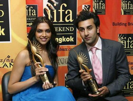Ranbir Kapoor and Deepika With IIFA Awards