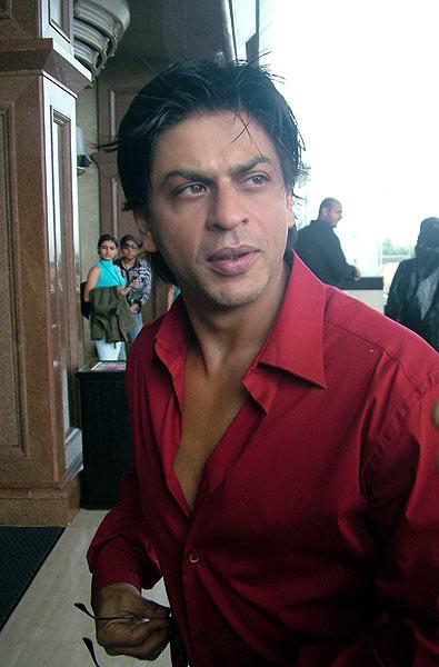 Shahrukh Khan Red Shirt Still