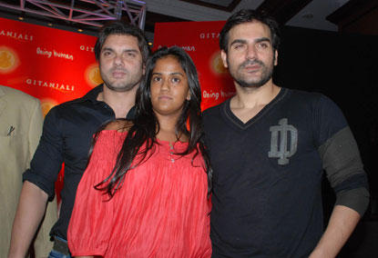 Sohail Khan,Arbaz and Arpita Poses To Photo Shoot