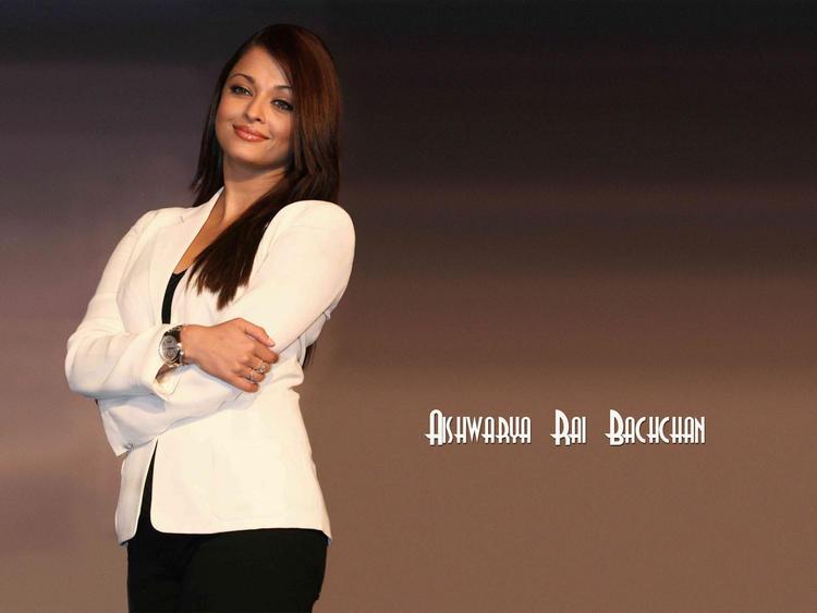 Aishwarya Rai White Blazer With Black Pant Wallpaper