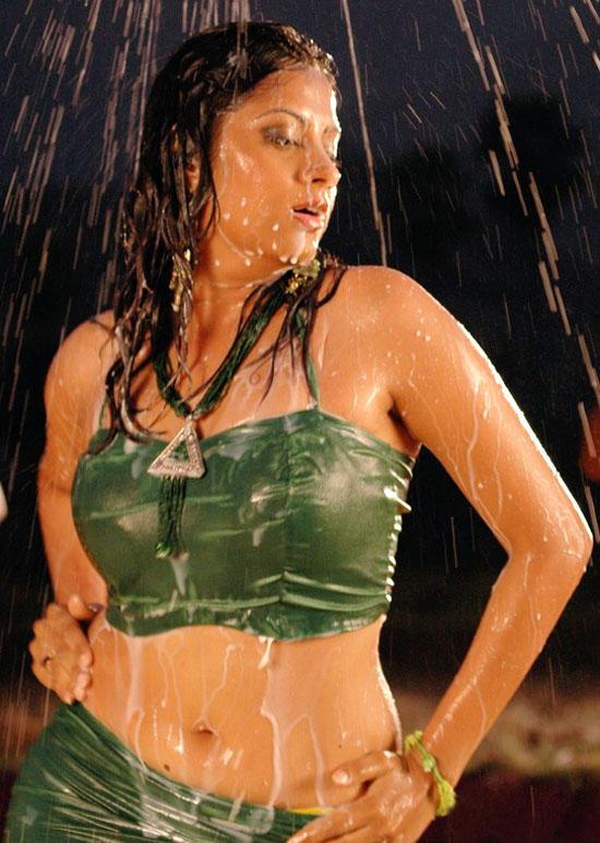 Hot Sindhu Tolani Wet Sexy Wallpaper