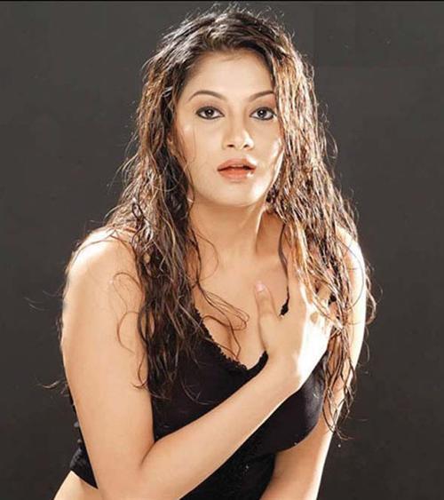 Sindhu Tolani Hot Look Wallpaper