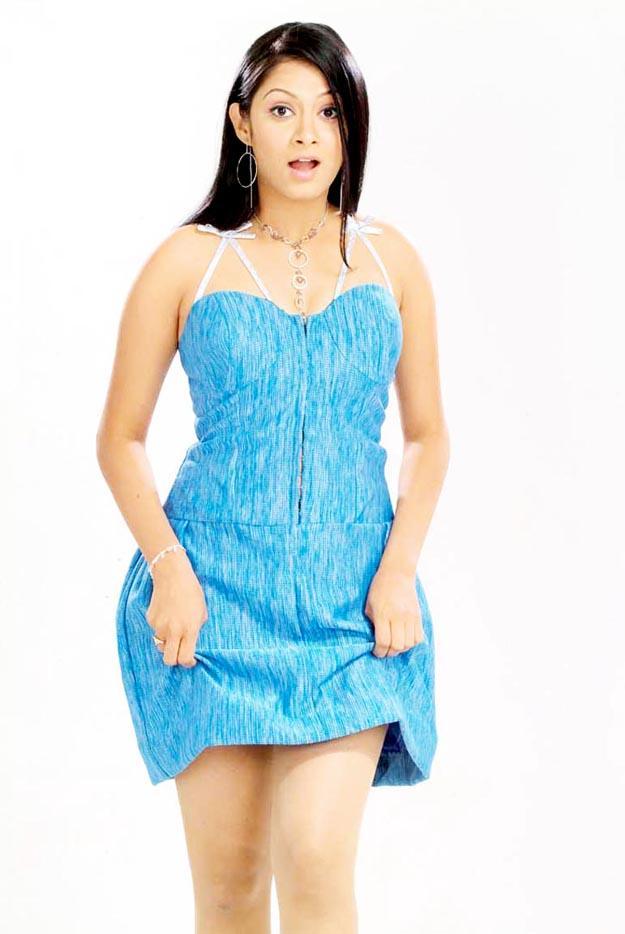 Sindhu Tolani Short Dress Hot Wallpaper