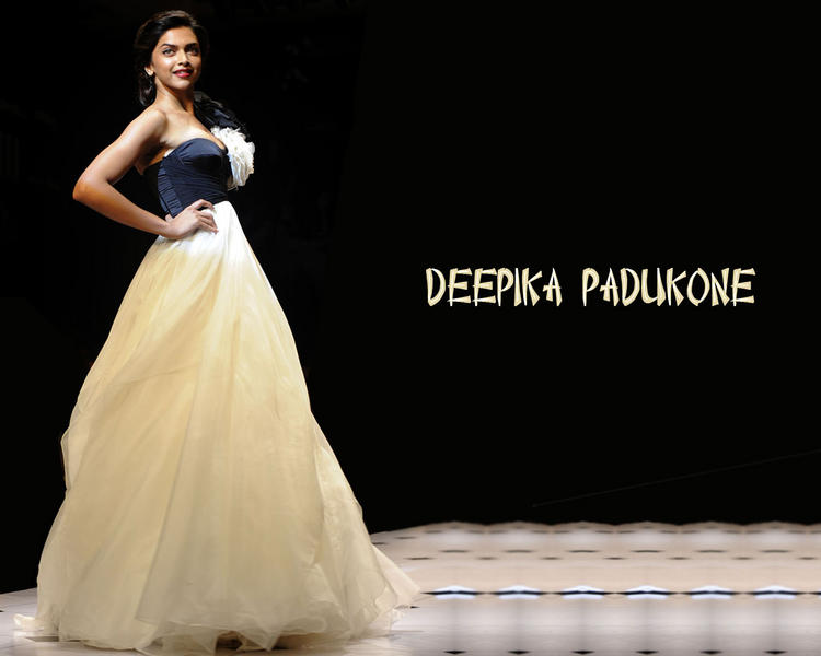 Deepika Padukone In Amazing Gown Beautiful Wallpaper