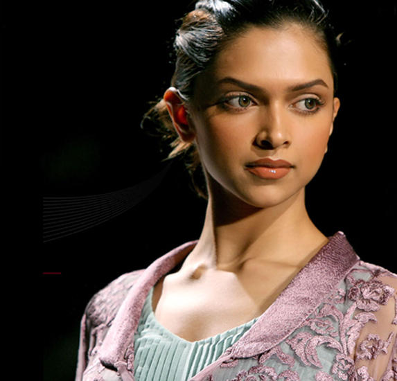 Deepika Padukone Beautiful Face Nice Photo