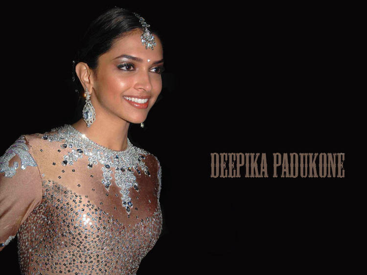 Deepika Padukone Gorgeous Looking Latest Wallpaper