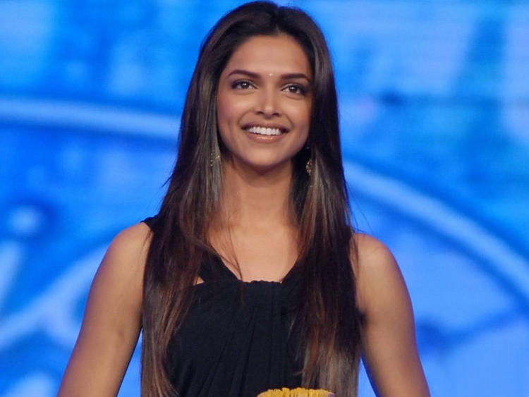Deepika Padukone Long Hair Glamour Photo