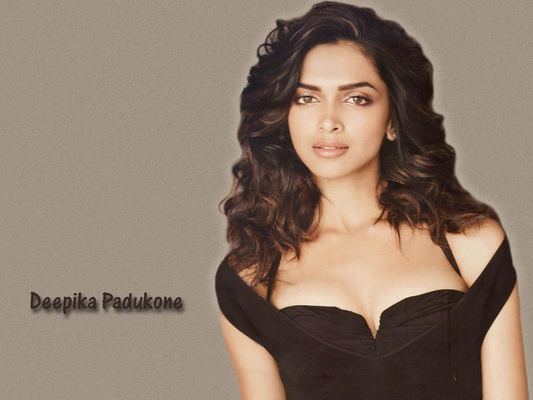 Deepika Padukone Romantic Look Wallpaper