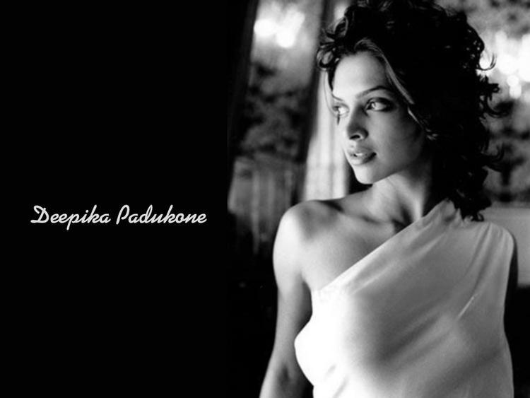 Deepika Padukone Sexy Wallpaper