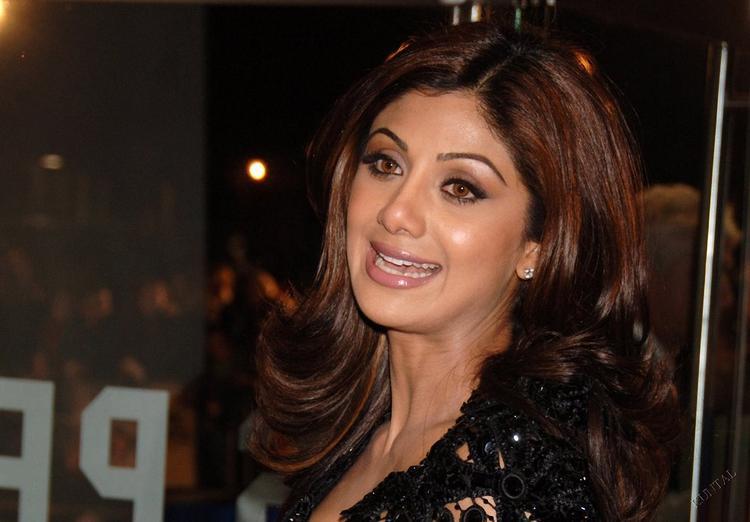 Shilpa Shetty Cute Face Glamour Still