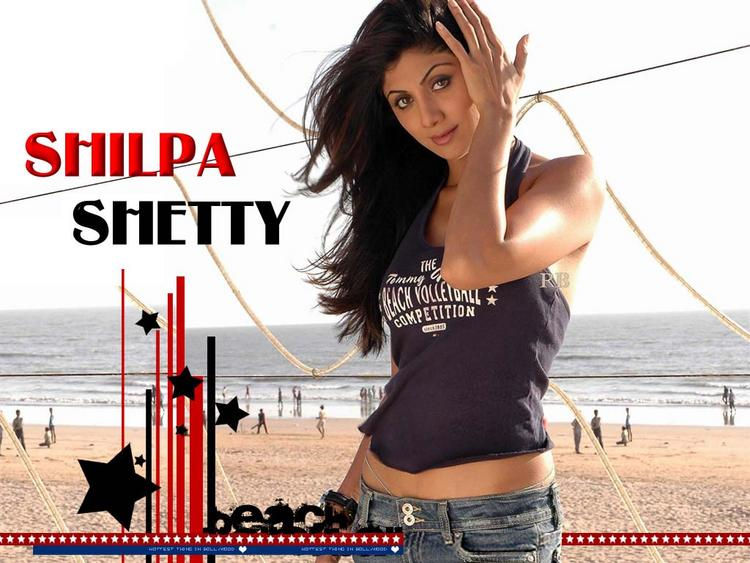 Shilpa Shetty Hot Pose Wallpaper