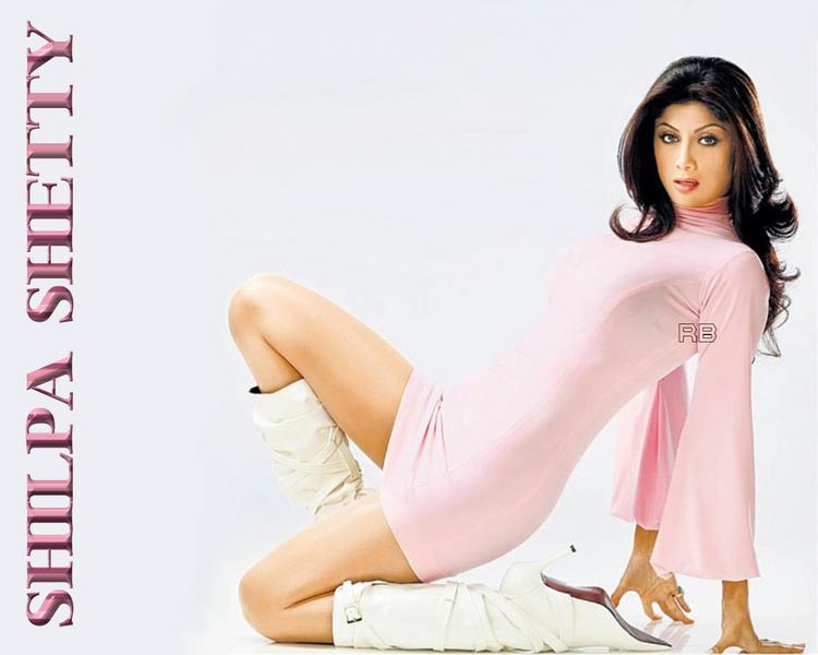 Shilpa Shetty Hot Sexy Wallpaper In Pink Dress