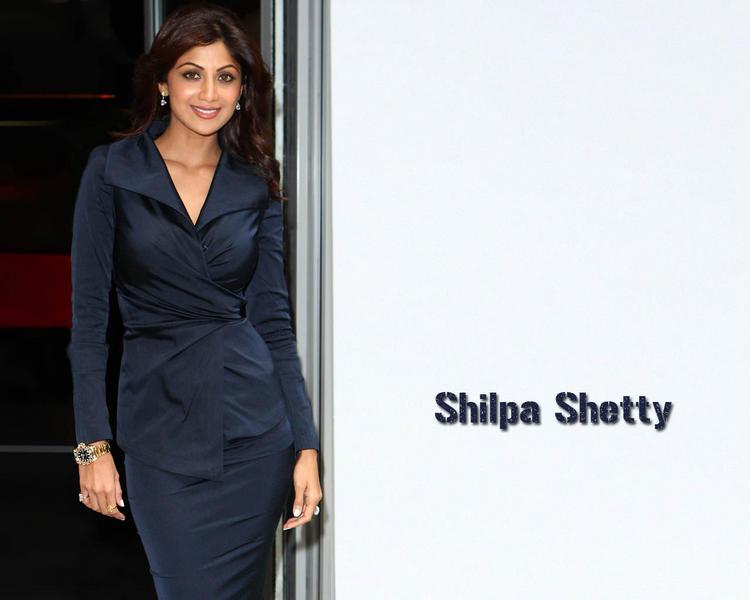 Shilpa Shetty Sexy Pose Wallpaper