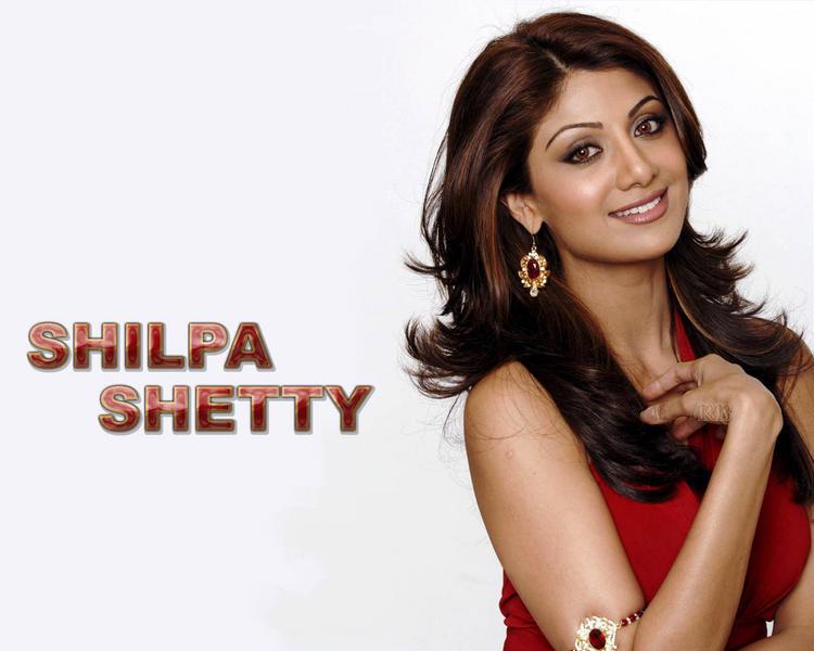 Shilpa Shetty Sweet Sizzling Wallpaper In Red Dress