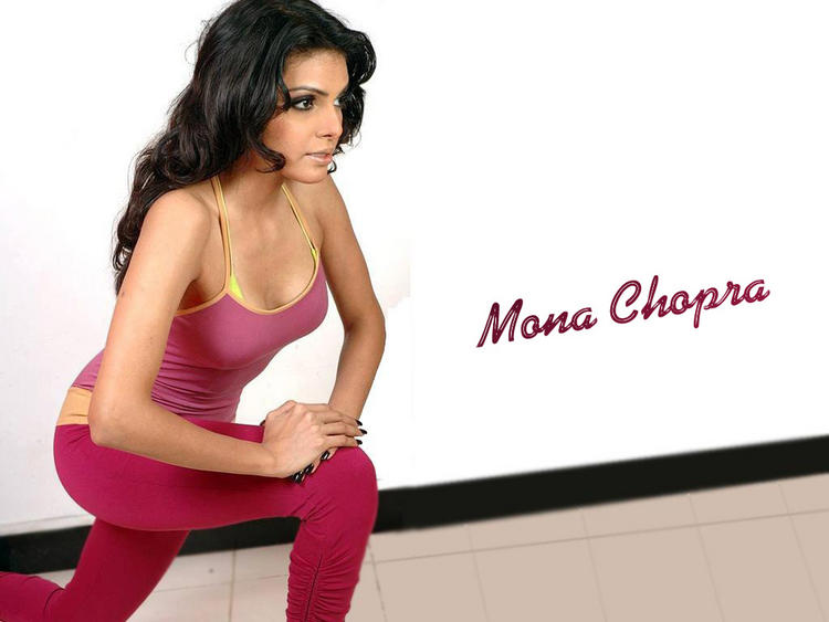 Hot Model Mona Chopra Wallpaper
