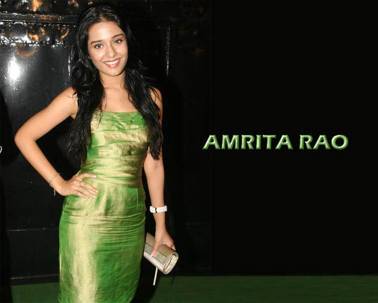 Amrita Rao Green Dress Hot Wallpaper