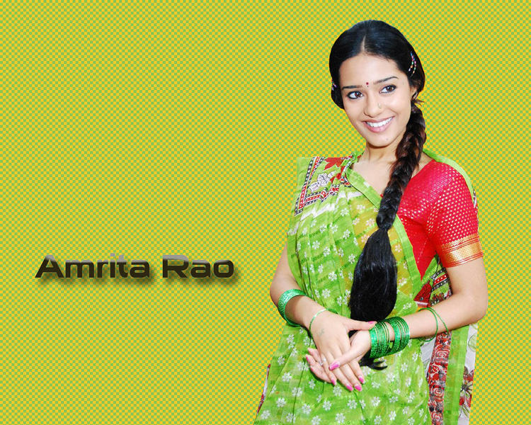 Amrita Rao In Saree Wallpaper