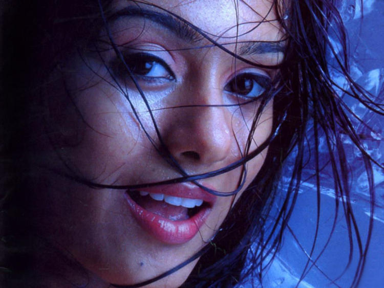 Amrita Rao Spice Look Wallpaper