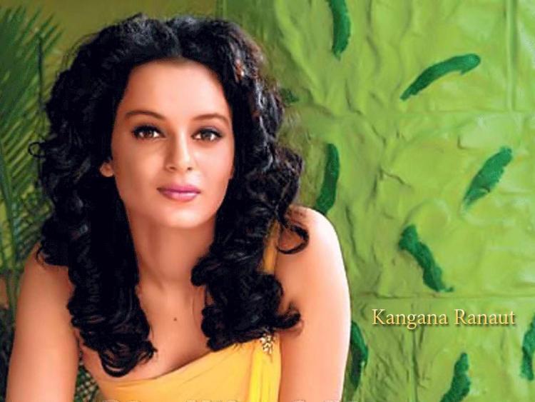 Kangana Ranaut Sizzling Look Wallpaper