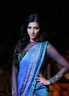 Shruti Haasan Transparent Blouse Nice Still