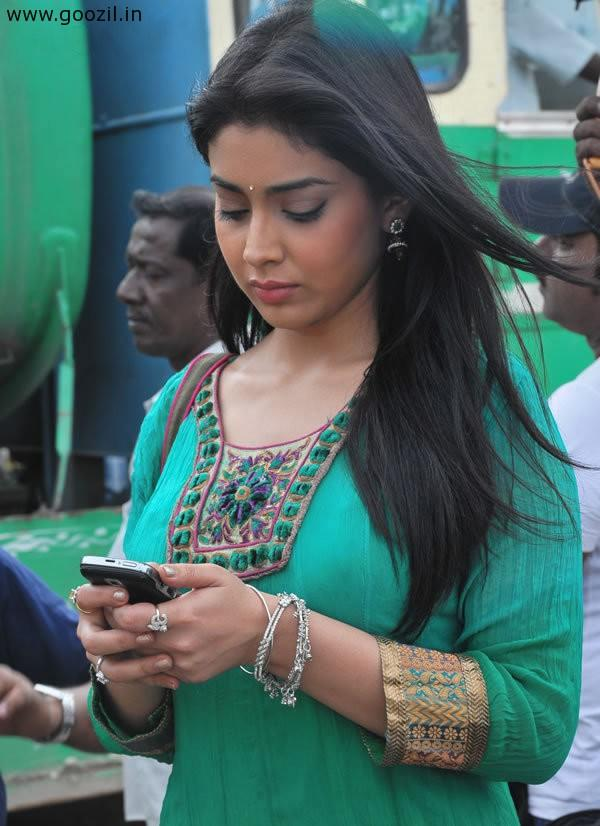 Shriya Nice and Cool Photo at Shooting Spot