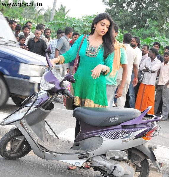 Shriya Saran Sizzling Still With Scooty