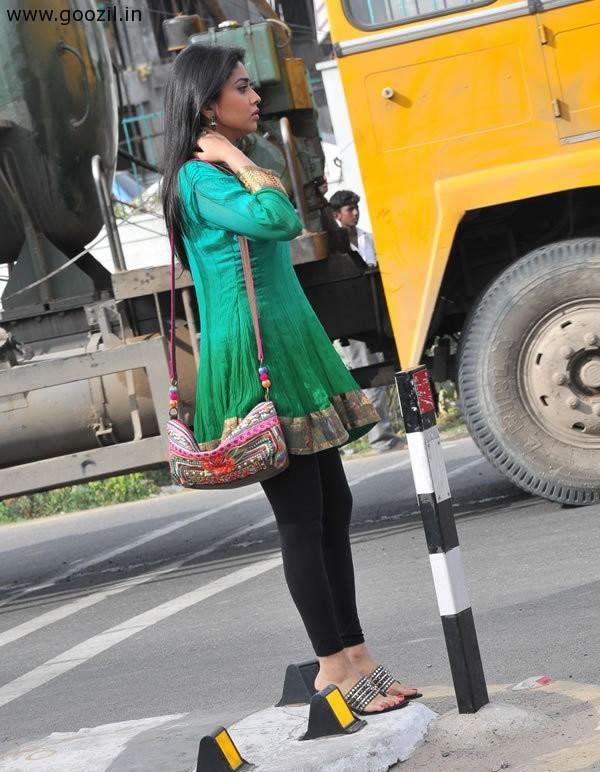 Shriya at Shooting Spot