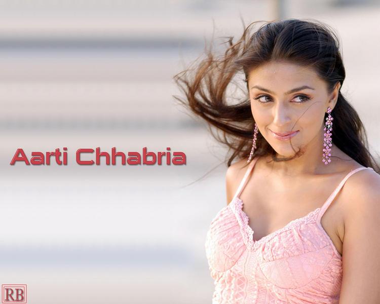 Aarti Chhabria Cute Wallpaper In Pink Dress