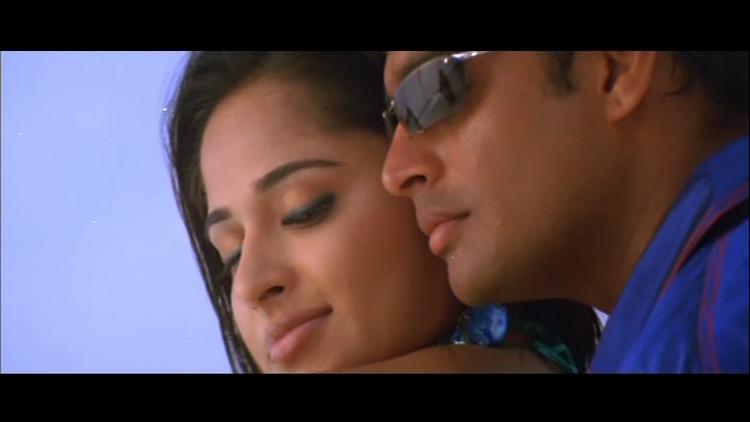 Anushka Shetty and Madhavan Romance Still