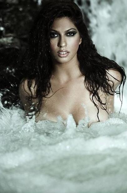 Priya Soni Nude Still Water