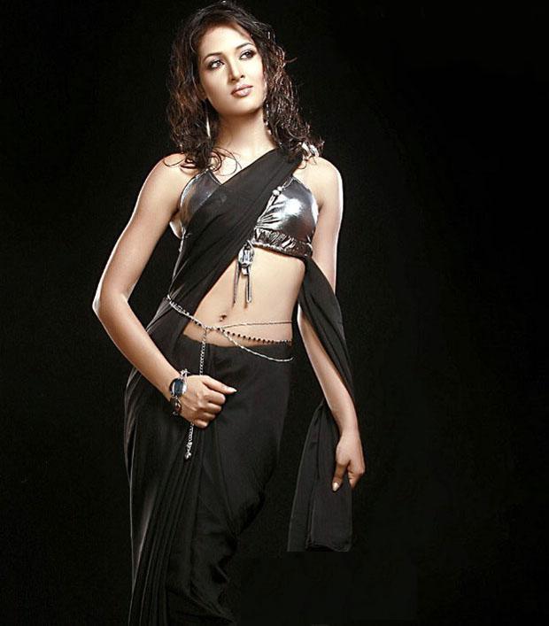 Actress Vidisha Sexy Black Saree Still