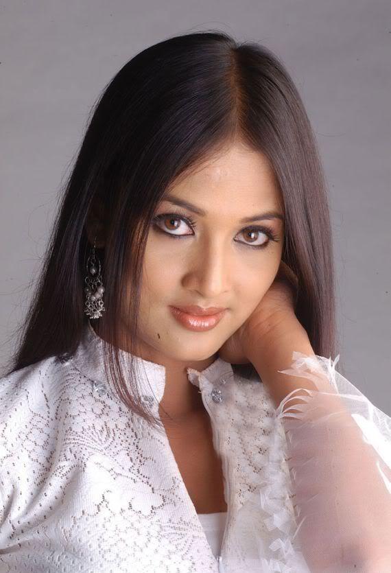 Vidisha Romantic Look Pic
