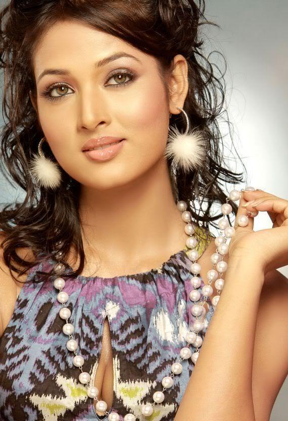 Vidisha Sexy Sweet Face Look Still