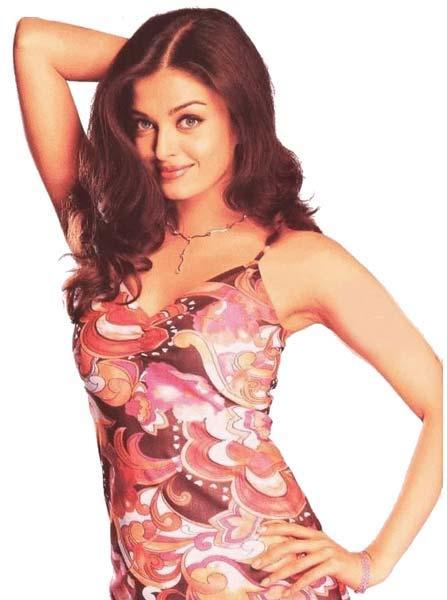Aishwarya Rai Sexy Pose Wallpaper
