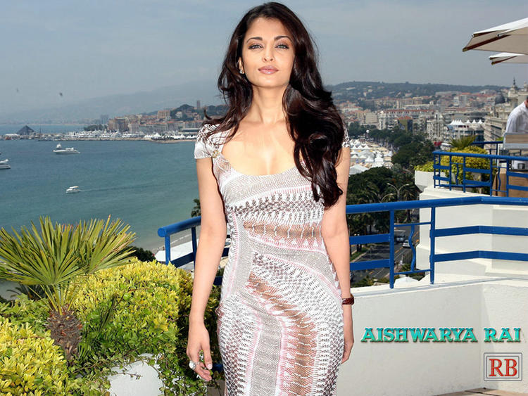 Aishwarya Rai Stunning Look Wallpaper