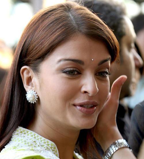 Beautiful Bollywood Diva Aishwarya Rai Images